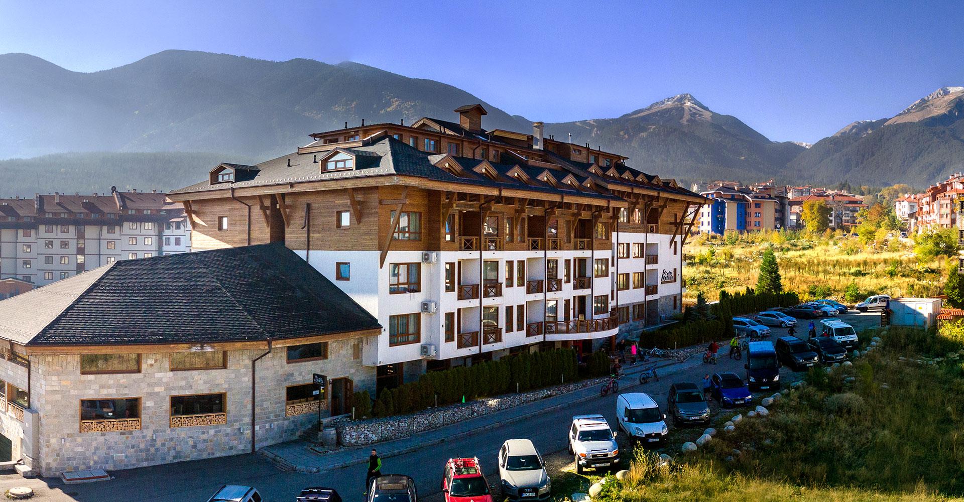 lavina-hotel-outside-img-01